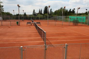 Outdoor clay courts